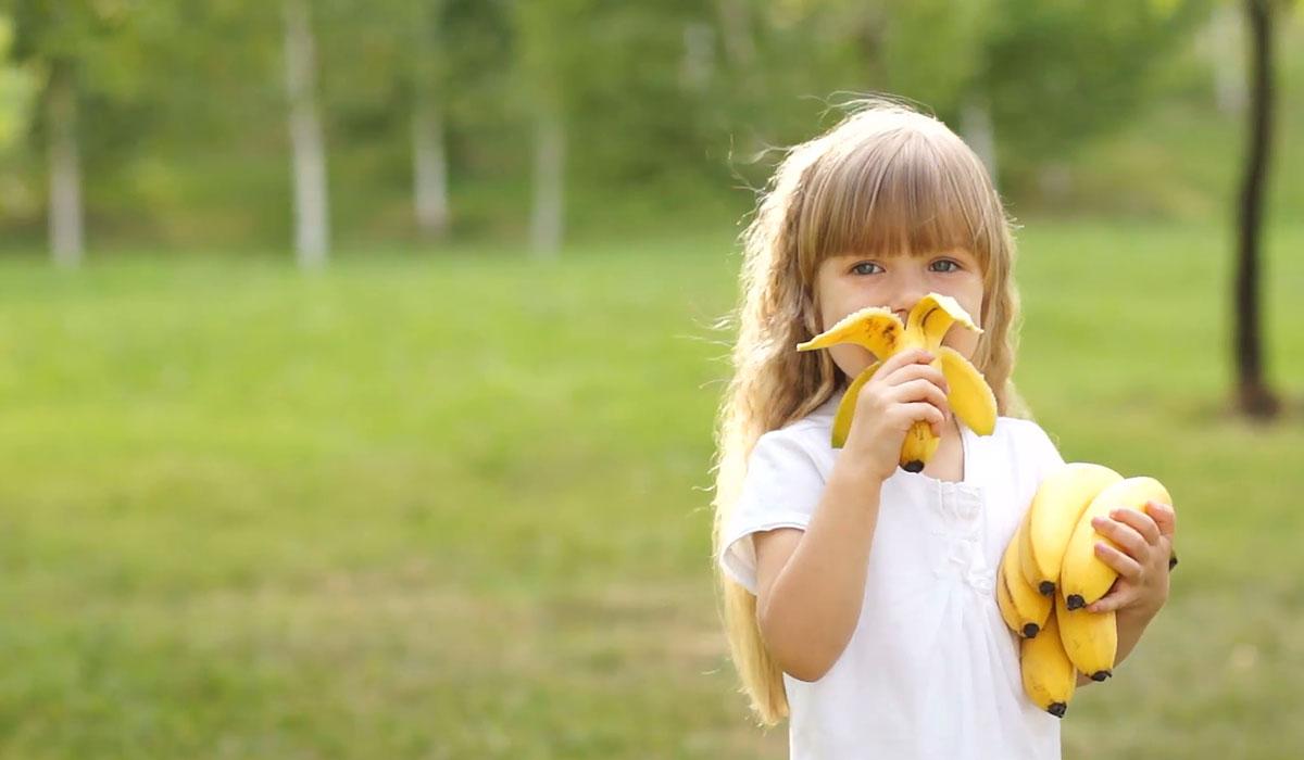 بالصور فوائد الموز للاطفال , الموز وتاثيره على طفلك وعلى نموه 1359 1