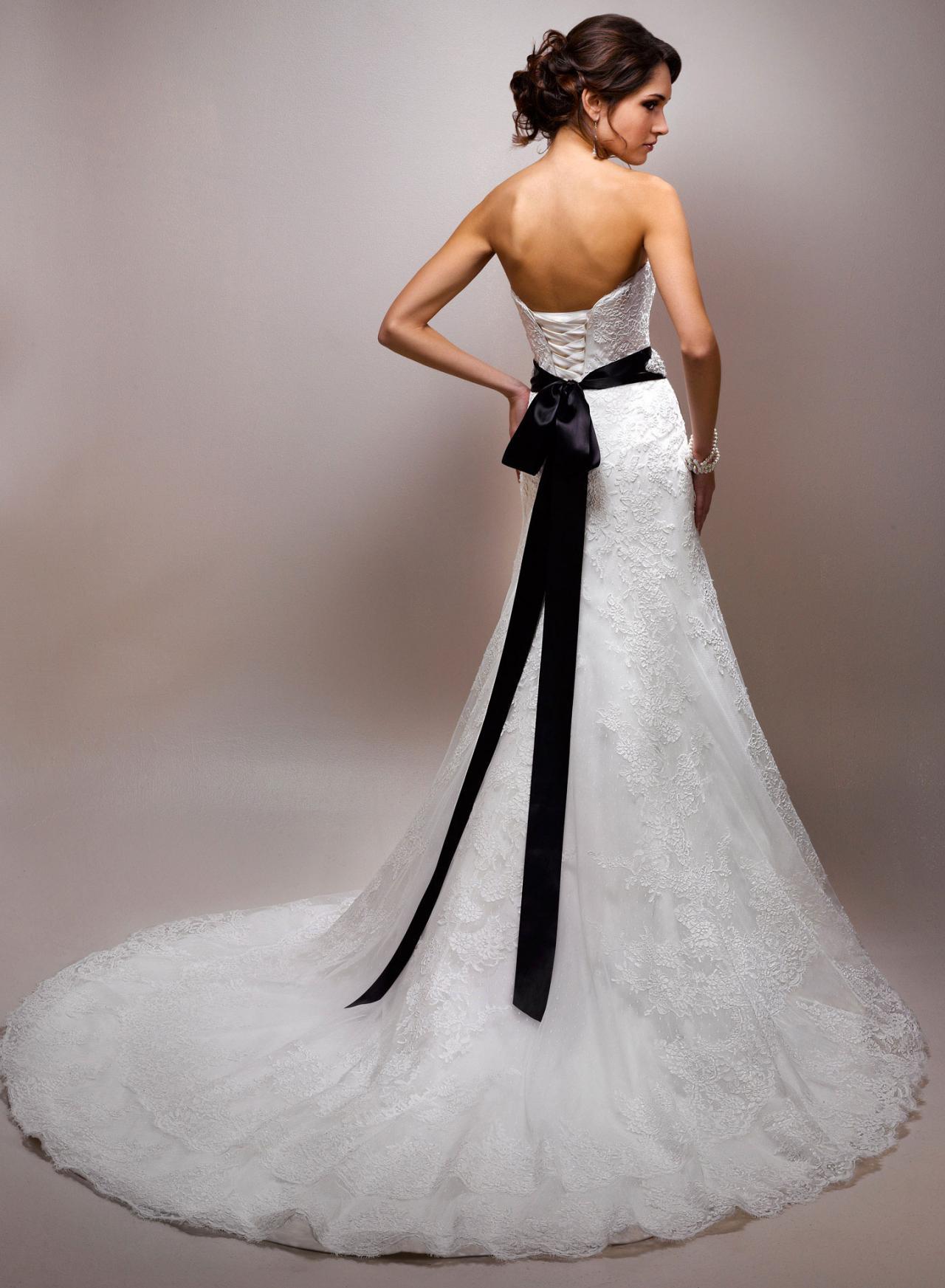 صور تفصيل فساتين زفاف , شرح تفصيل فساتين الزفاف الروعة