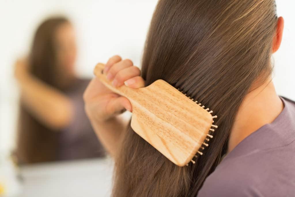 صورة تسريح الشعر في المنام , تفسير رؤيه تمشيط الشعر فى المنام