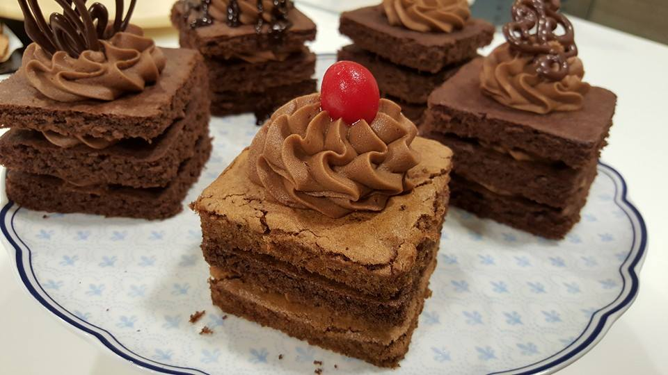 صور طريقة عمل جاتوه الشوكولاته , اسهل الطرق لصنع كيك شوكولاته
