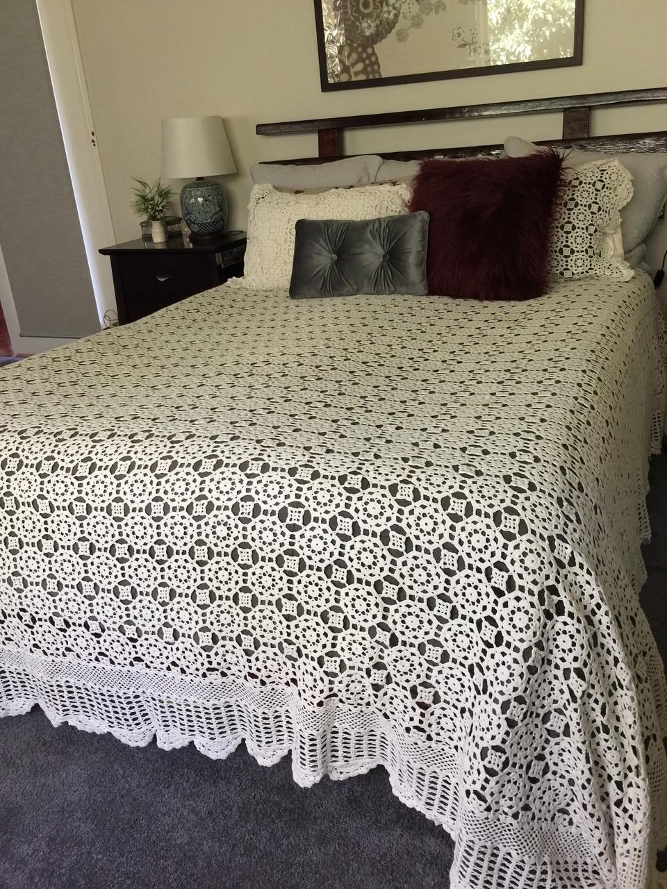 صور مفارش السرير بالكروشي , الكروشيه وجماله مع مفارش السرير