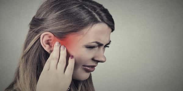 صورة علاج الالام الاذن , طرق علاج الم الاذن 1950 2