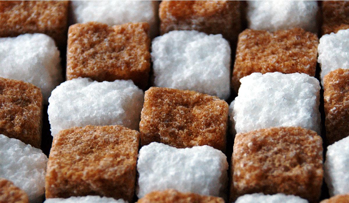 صورة السكر البني والرجيم , لو لسة فاكر ان السكر البني احسن من الابيض تبقى غلطان