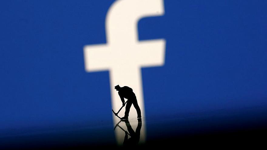 صور حذف الصور من الفيس بوك مرة واحدة , بكل سهولة احذف ملف صور كامل من حسابك على الفيس بوك