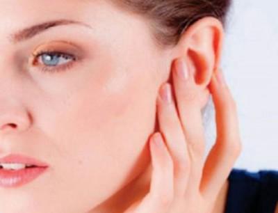 صورة قشرة في الاذن , حساسيه الاذن واسبابها