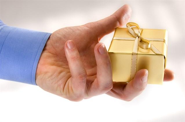 صورة تفسير حلم اعطاء الميت , اخد واعطاء شئ للميت فى المنام