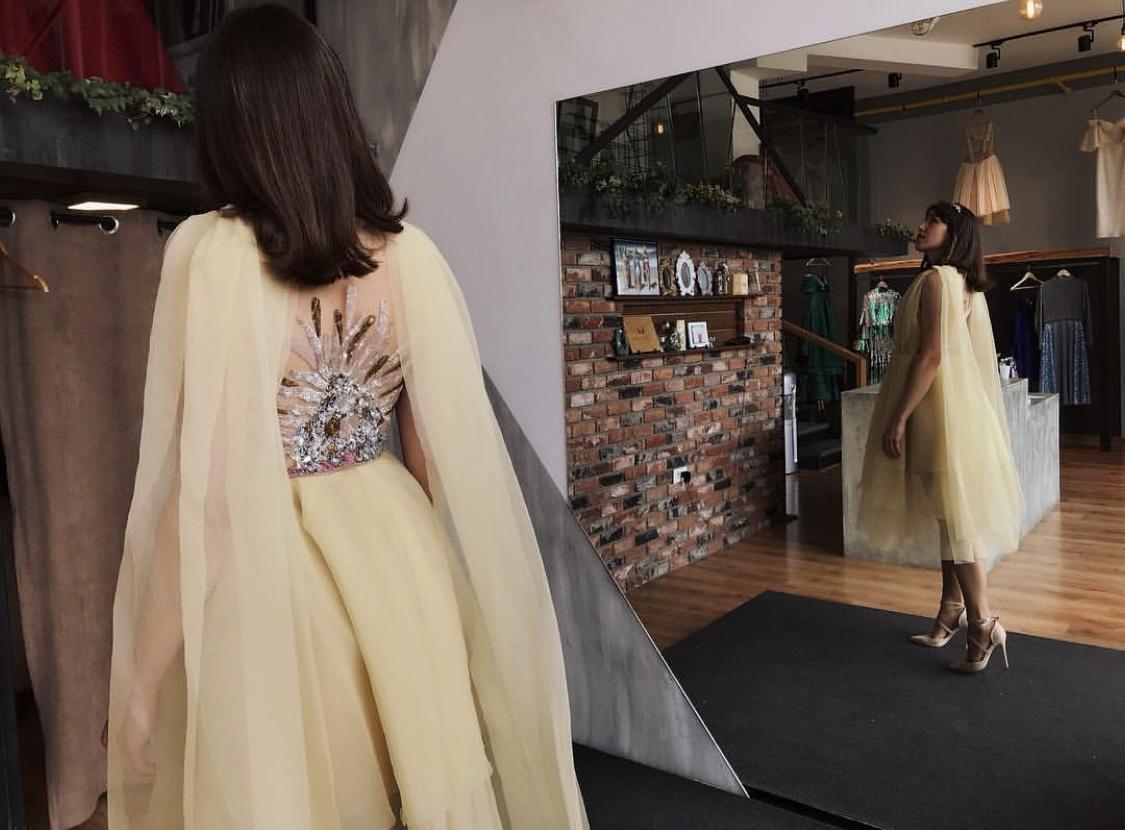 بالصور موديلات فساتين من الخلف , اجمل تصميمات الفستاين من الخلف