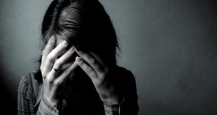 صور خلفيات بنات حزينة , صور للبنات تعبر عن حزنهم
