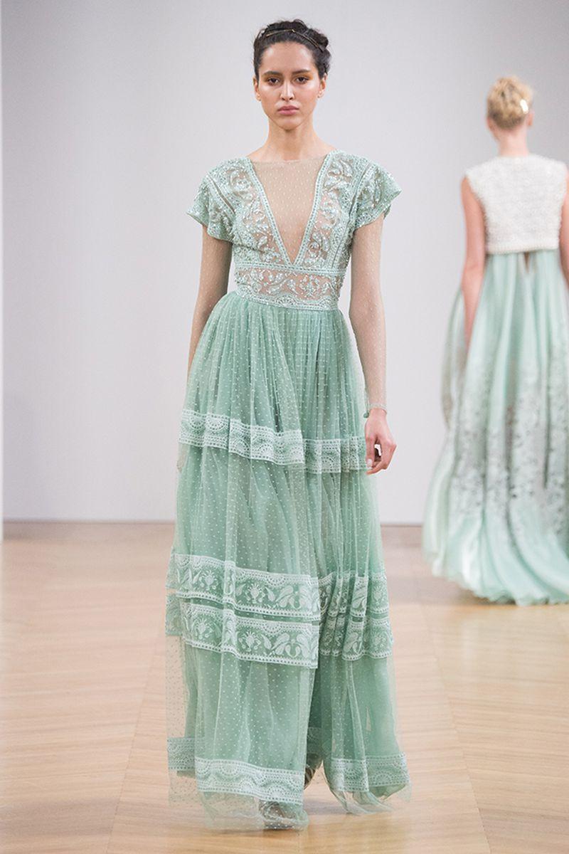 صورة اجمل ملابس النساء , تشكيله جديده لملابس للنساء على الموضه