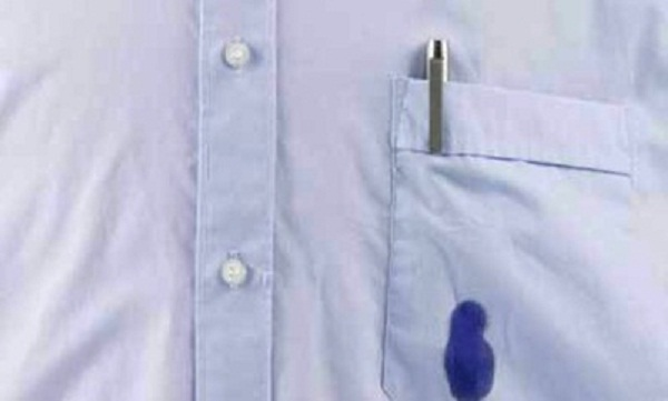 صورة ازالة الحبر من الملابس بمعجون الاسنان , بمكون واحد فقط يزيل الجاف لن تصدقى