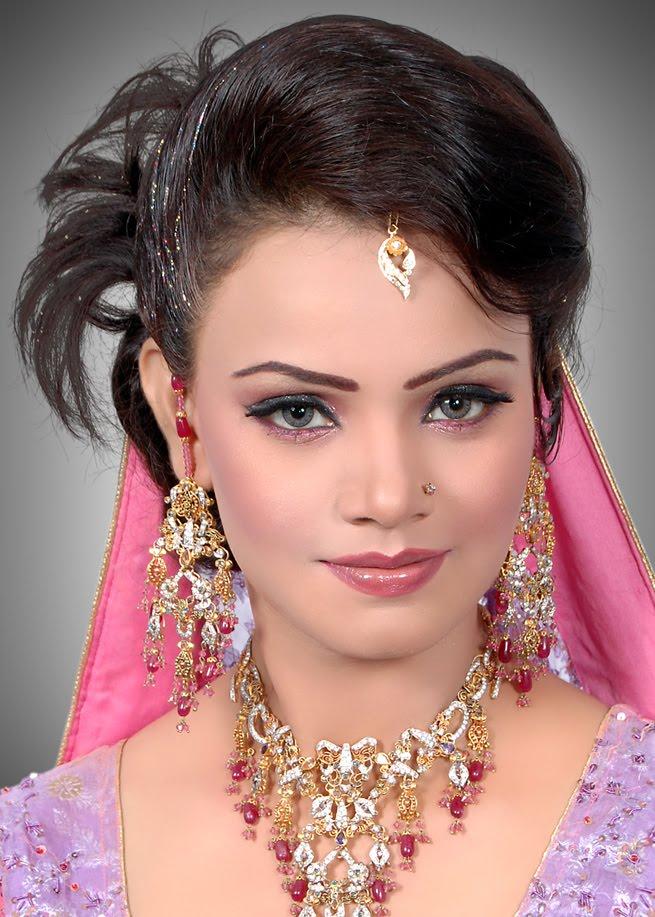 صورة تسريحات هندية للشعر القصير , اجمل من هيك ما شوفت