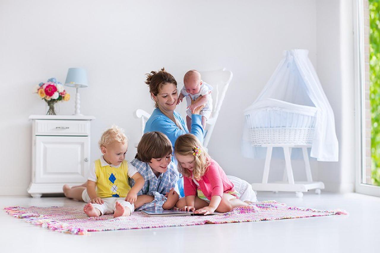 صورة طرق تربية الاطفال , يهم كل ام جديدة