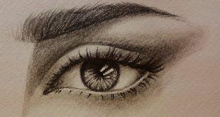 رسم العيون بالرصاص